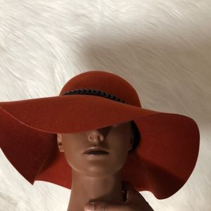 Hobo chic hat with braided leather band